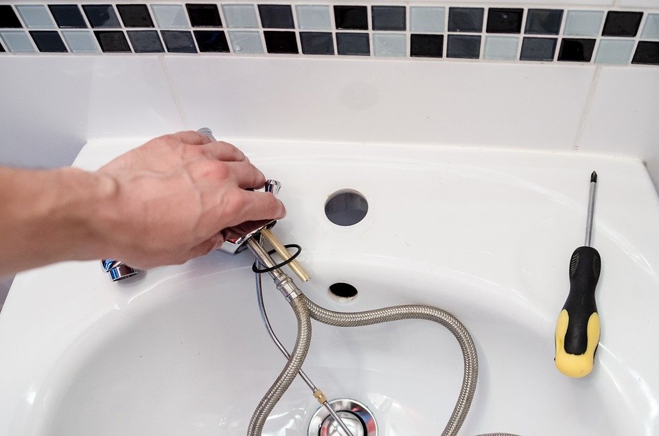 choose a plumber with affordable services